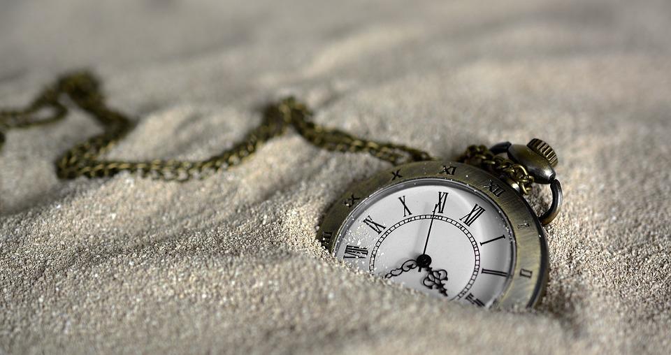 Timpul - poezie de Alexandra Mihalache
