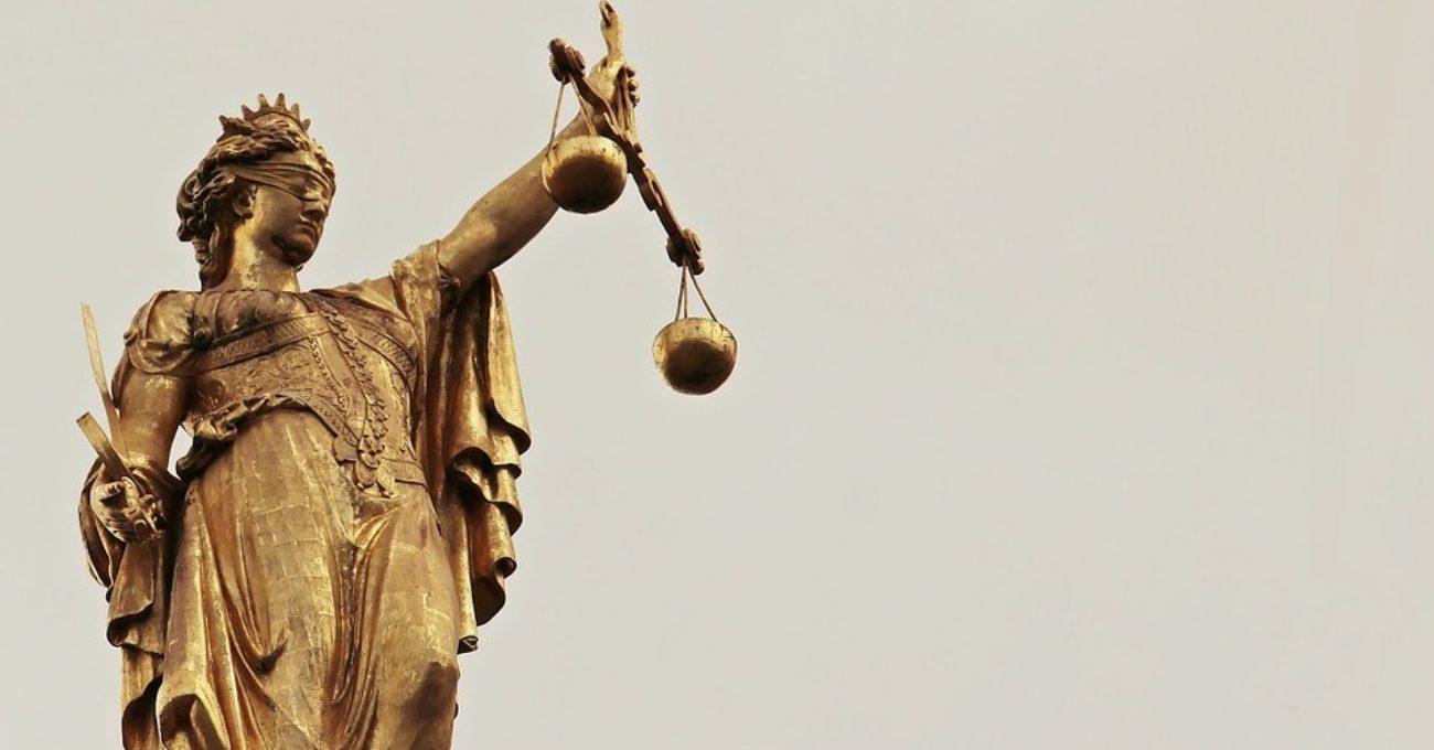 Judecata corectă - eseu de Alexandra Mihalache