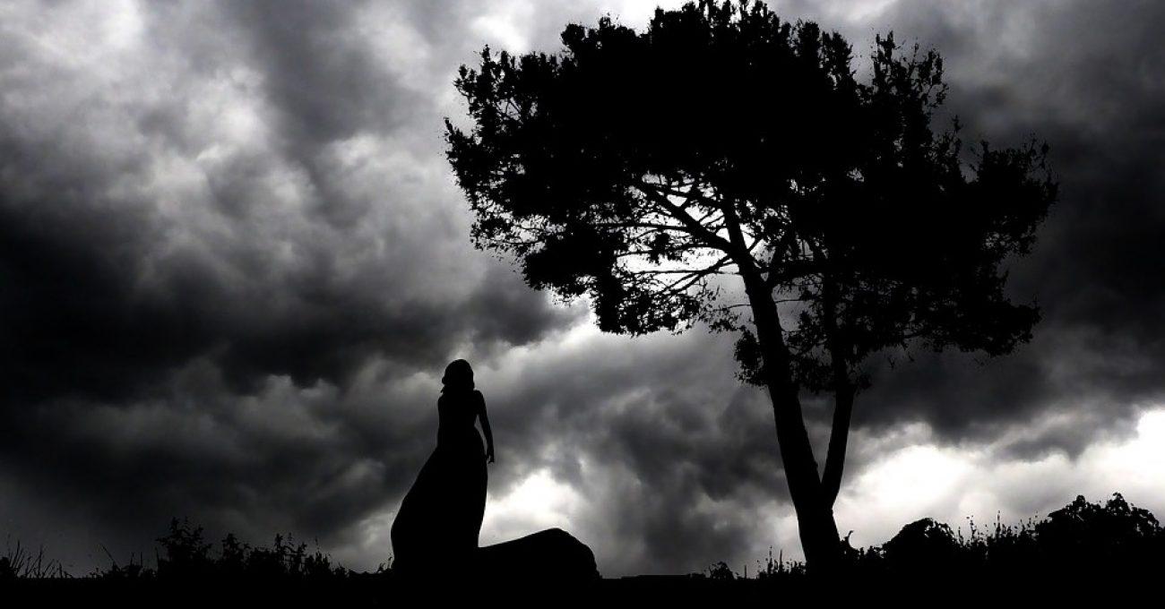Blestem singuratatii -poezie de Alexandra Mihalache