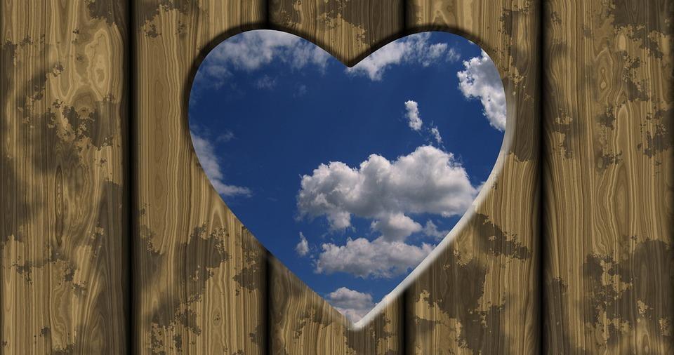 Sa fiti iubire - poezie de Alexandra Mihalache