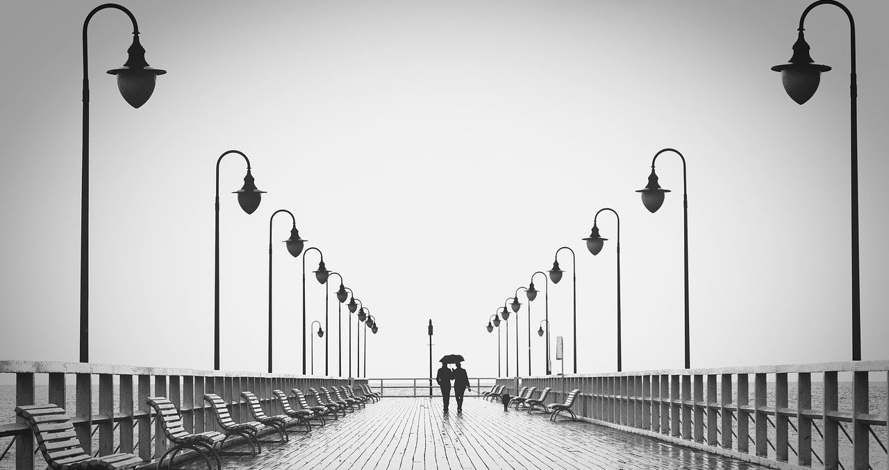 Ploi-de-dor-poezie-de-Alexandra-Mihalache